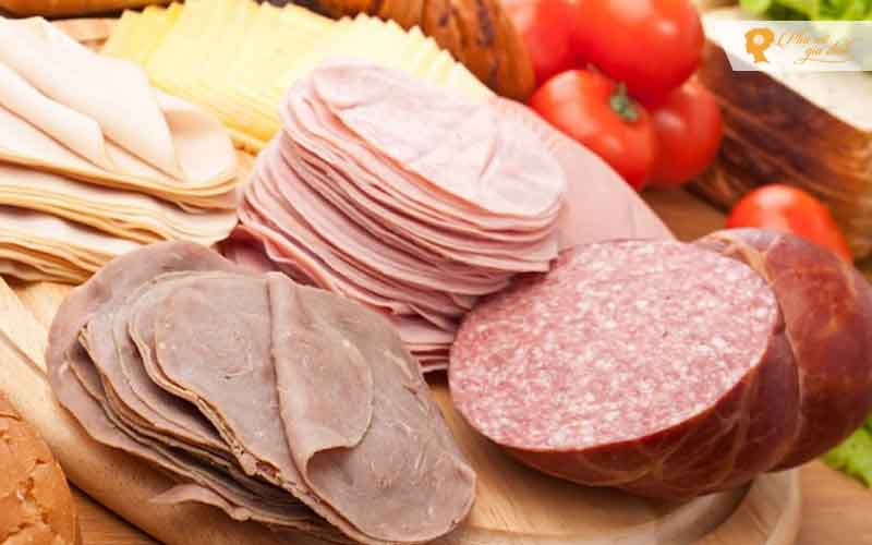 Thịt nguội, thịt xông khói và xúc xích là những món ngon nhưng cần hạn chế để phòng chống mắc bệnh ung thư.