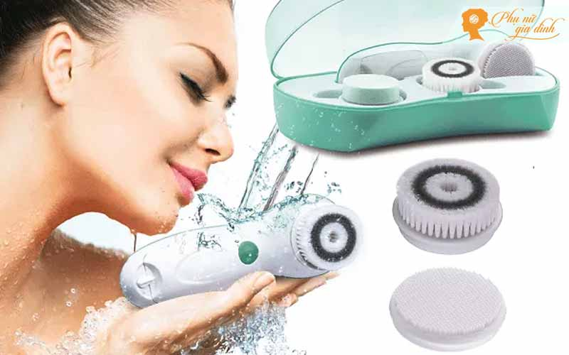Máy rửa mặt massage mặt 3 trong 1 Touch Beauty TB 14838 mang đến giải pháp làm sạch da mặt tự nhiên mà không cần dùng hóa chất.