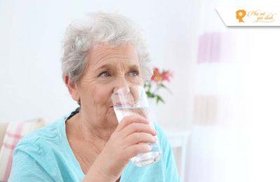 Người già tăng huyết áp đột ngột do nắng nóng