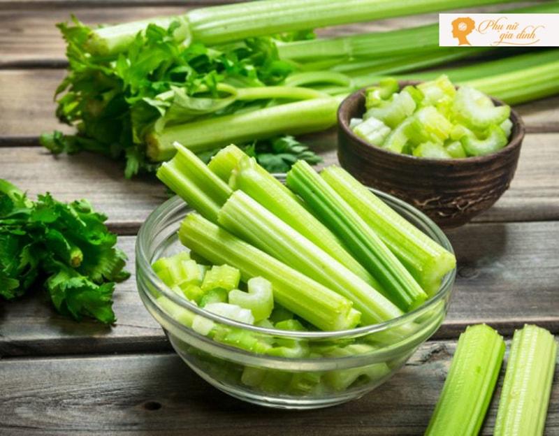 Cần tây là một trong loại rau củ quả hỗ trợ tốt cho não bộ (Ảnh:Internet)