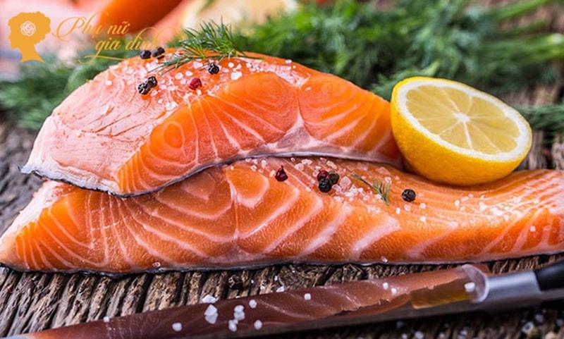 Nếu cảm thấy khó ngủ, hãy bổ sung cá vào thực đơn dinh dưỡng của mình. (Ảnh:Internet)