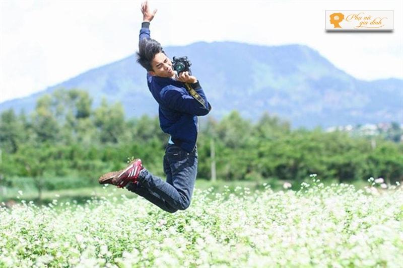 """Tư thế nhảy cao sẽ tạo nên chút """"ngông"""" cho bức ảnh của bạn. (Ảnh: Internet)."""
