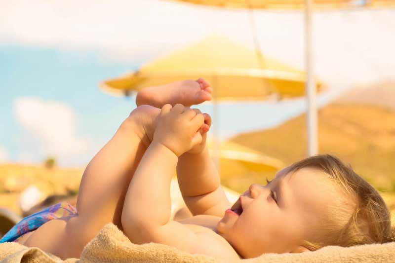 Tắm nắng giúp xương chắc khỏe hơn. (Ảnh: Internet).