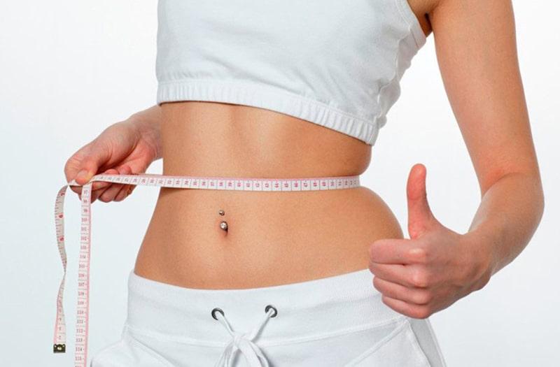 Ăn chuối có thể giảm nguy cơ mắc bệnh tim mạch và kiểm soát trọng lương cơ thể. (Ảnh: Internet)