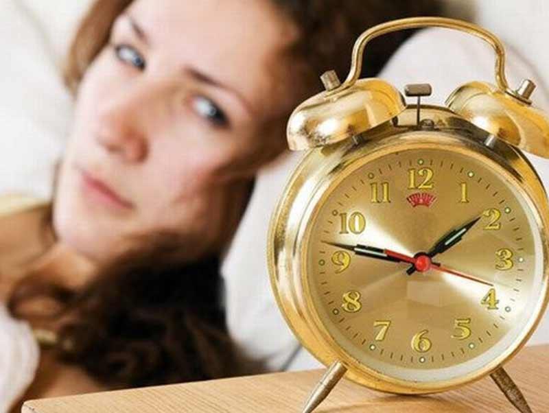 Mất ngủ ở phụ nữ do đâu? (Ảnh: Internet)